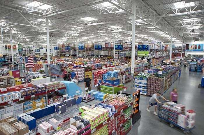 Sam's Club – 13,5 tỷ USD: là môt thành viên của đại gia đình Walmart và thậm chí còn được đánh giá là thành công hơn cả Walmart. Sam's Club có tới 633 cửa hàng tại Mỹ, Puerto Rico, Trung Quốc, Brazil và Mexico.