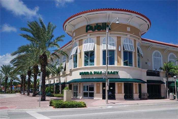 10.Publix – 10,2 tỷ USD: là tên chuỗi siêu thị nổi tiếng nhất nước Mỹ sở hữu hơn 1000 cửa hàng, Với tiêu chí đưa lợi nhuận của khách hàng lên trên hết công ty rất được lòng người tiêu dùng.