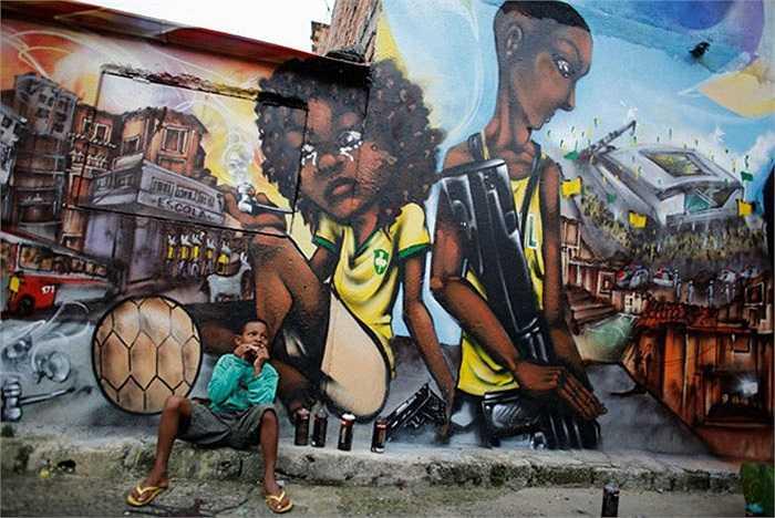 Người dân xứ sở samba cho rằng, đăng cai tổ chức sự kiện thể thao tầm cỡ thế giới chỉ khiến gánh nặng tài chính của đất nước càng thêm khó khăn