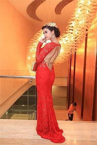 Nhân vật trong phim cũng gần với hình ảnh quý cô sang trọng mà ekip đang xây dựng cho Trương Quỳnh Anh