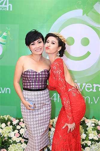 Chiếc váy khiến cho vẻ đẹp của Trương Quỳnh Anh ngày càng tỏa sáng, dù cô đang là mẹ của cậu con trai 2 tuổi Sushi rất dễ thương.