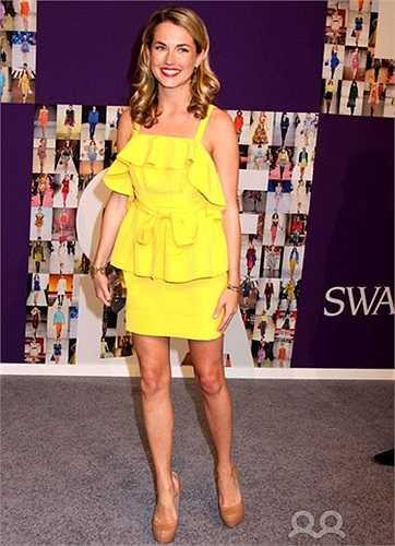 Amanda nhiều lần xuất hiện trên Vogue, Elle, Numero trong các bộ ảnh quảng cáo của những thương hiệu thời trang xa xỉ như Versace, LV, Chanel.