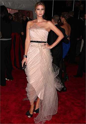 Theo Fobes thì Ivanka đang dẫn đầu danh sách những nữ tỷ phú xinh đẹp và hấp dẫn nhất hành tinh.