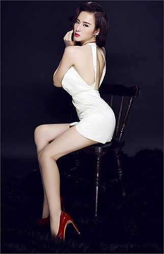 Mới 19 tuổi nhưng Angela Phương Trinh đã có số lượng scandal mà đàn anh, đàn chị 'đuổi không kịp'