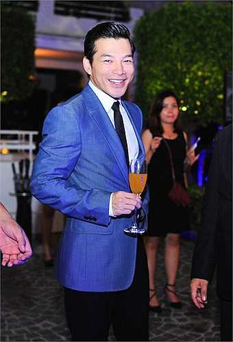 Trong tháng 6 này, Trần Bảo Sơn sẽ cùng đoàn phim 'Đoạt hồn' của đạo diễn Hàm Trần tham gia chiến dịch quảng bá và phát hành phim trên toàn quốc.