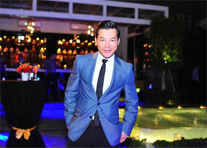 Đồng thời, anh cũng tiết lộ, sau chương trình này, anh sẽ bay ra Hà Nội để chuẩn bị cho những cảnh quay đầu tiên của bộ phim 'Những người con của làng' do Nguyễn Đức Việt làm đạo diễn.