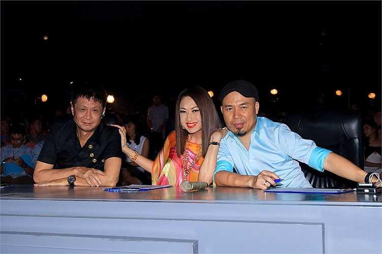 Áp lực khi ngồi cạnh hai vị giám khảo kỳ cựu: đạo diễn Lê Hoàng và nhạc sỹ Huy Tuấn dường như đã biến mất.