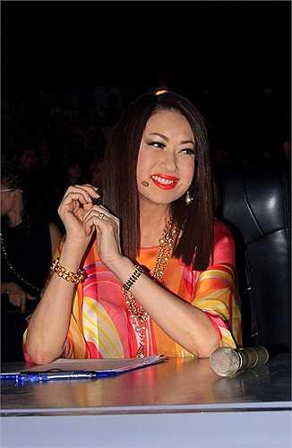 Nữ danh ca luôn nở nụ cười tươi như minh chứng về tâm lý được giải tỏa của mình.