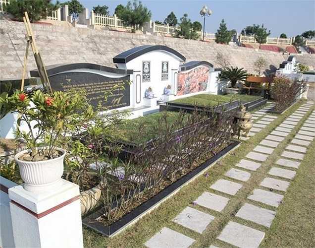 Nhiều đại gia ở các tỉnh thành trong cả nước cũng tìm về đây và không tiếc tiền mua nhiều phần mộ cũng như xây dựng những lăng mộ trị giá hàng tỷ đồng.
