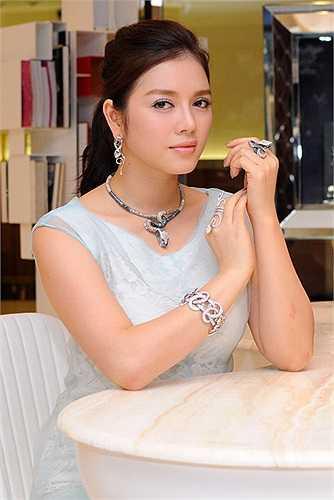 Theo ông Nguyễn Văn Tình, Cục trưởng Cục Hợp tác quốc tế, Lý Nhã Kỳ đã làm tốt vai trò Đại sứ du lịch và chưa tìm thấy ai có thể làm được tốt như cô.