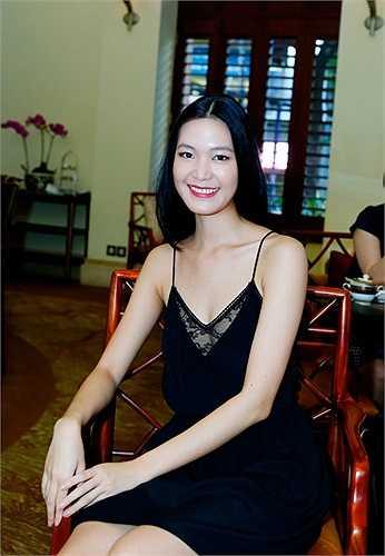 'Nếu cái giá được trả là cả 5 căn biệt thự đó thì hãy làm em nhé. Không thì... mất giá của một Hoa hậu Việt Nam'.