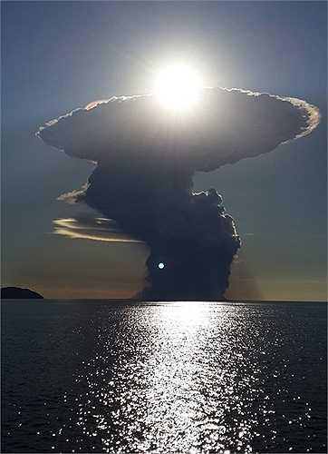 Khói bụi sinh ra từ miệng núi lửa đã che kín mặt trời trong một vùng rộng lớn
