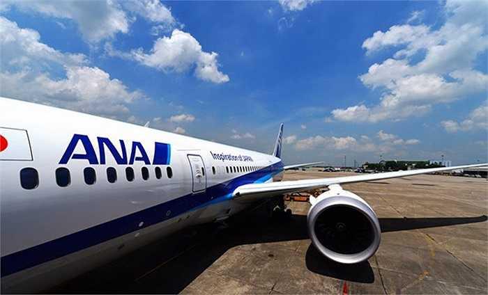 Hãng hàng không 5 sao của Nhật Bản – All Nippon Airways (ANA) cho biết, bắt đầu từ hôm nay 1.6.2014 hãng chính thức đưa dòng siêu máy bay Boeing 787 Dreamliner này vào khai thác tại Việt Nam cho chặng bay Hà Nội – Tokyo (Haneda) với tần suất đều đặn 1 chuyến/ngày.