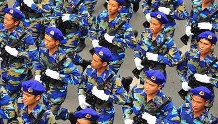 Quốc hội dự kiến dành 16.000 tỷ từ ngân sách chi cho lực lượng cảnh sát biển, kiểm ngư và hỗ trợ ngư dân. Ảnh: Công Khanh