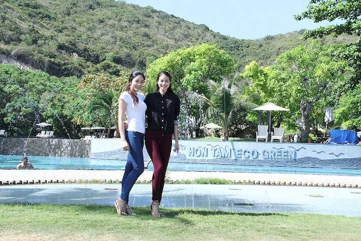 Hoa hậu Đặng Thu Thảo đã có những hoạt động đầu tiên sau khi đoạt giải thưởng cao nhất tại cuộc thi Hoa hậu Đại dương Việt Nam 2014 vừa kết thúc tại Phan Thiết – Bình Thuận.