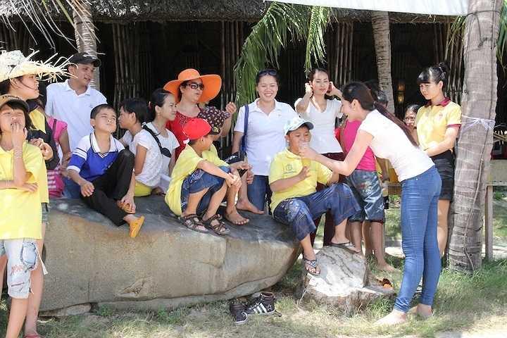 Sự xuất hiện của Hoa hậu Đặng Thu Thảo tại Ngày hội trẻ em khuyết tật đã mang đến nhiều ước mơ cho các em nhỏ.