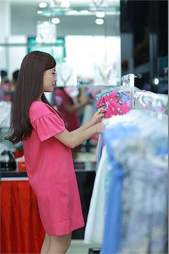 Cô cho biết, mối quan hệ giữa cô và hot boy xứ Đài đơn thuần là vì công việc.