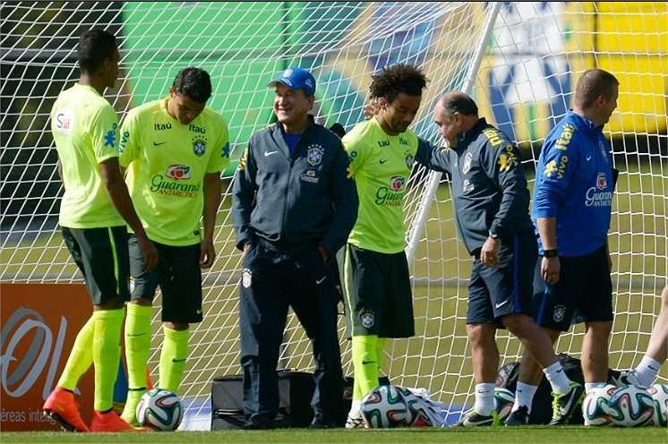 Đây là hình ảnh mới nhất về buổi tập chiều qua của tuyển Brazil tại trung tâm huấn luyện Quốc gia Granja Comary ở Rio de Janeiro.