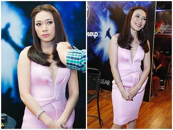 Nữ ca sỹ nhận được đánh giá cao khi diện mẫu đầm tông màu hồng nhạt, có điểm nhấn nhá tại vùng eo lạ mắt và ấn tượng.