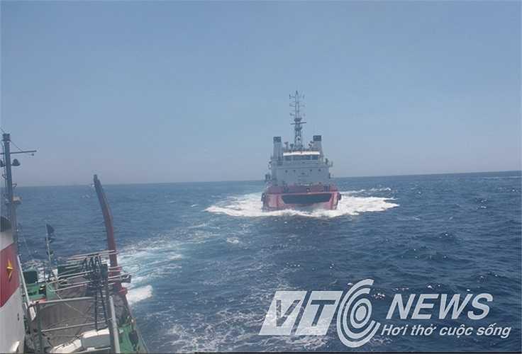 Tàu Trung Quốc hung hãn truy đuổi tàu Việt Nam
