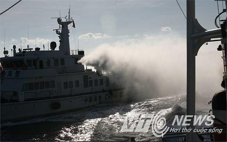 Những hình ảnh do PV Quang Tùng của VTC News ghi lại tại thực địa giàn khoan Hải Dương 981.