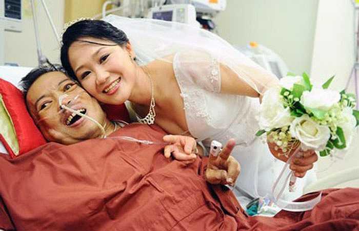 10. Năm 2012, nhờ sự giúp đỡ của một đài phát thanh tiếng Trung ở Singapore, Chua Mei Mei và Tay Guan Yeow đã có 1 đám cưới thực sự sau 13 năm chờ đợi. Lúc này, Tay Guan Yeow đang bị suy thận.