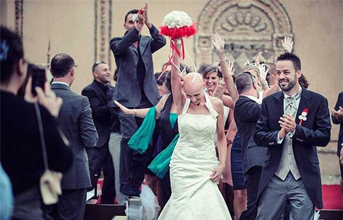 4. Lễ cưới của Francesca và Fabio (Scandicci, Ý) đã khiến bao trái tim phải đau đáu. Những hình ảnh xúc động của đám cưới đặc biệt này đã được nhiếp ảnh gia Andrea Corsi ghi lại.