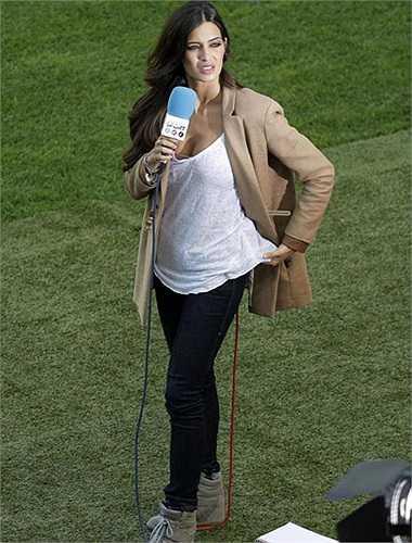 Sara Carbonero, bạn gái của thủ thành Iker Casillas sẽ là chốt chặn cuối cùng
