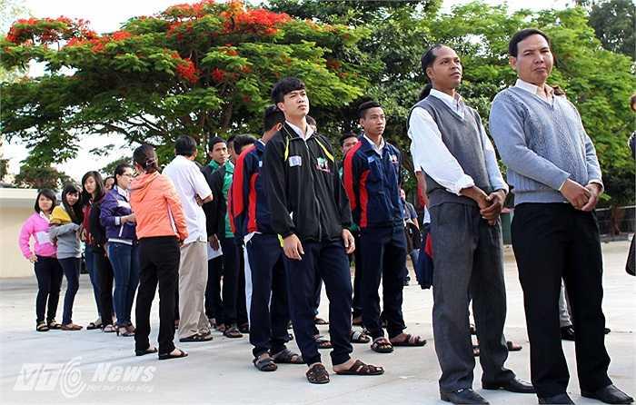 Công Phượng không chỉ là một tiền vệ xuất sắc của U19 Việt Nam, em còn nổi bất ở Học viện HAGL-Arsenal JMG về học văn hóa giỏi, đặc biệt là các môn tự nhiên.