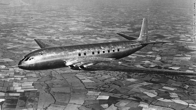 Năm 1952: Máy bay phản lực đầu tiên De Havilland Comet – được nhà thiết kế Sir Geoffrey de Havilland tạo ra.