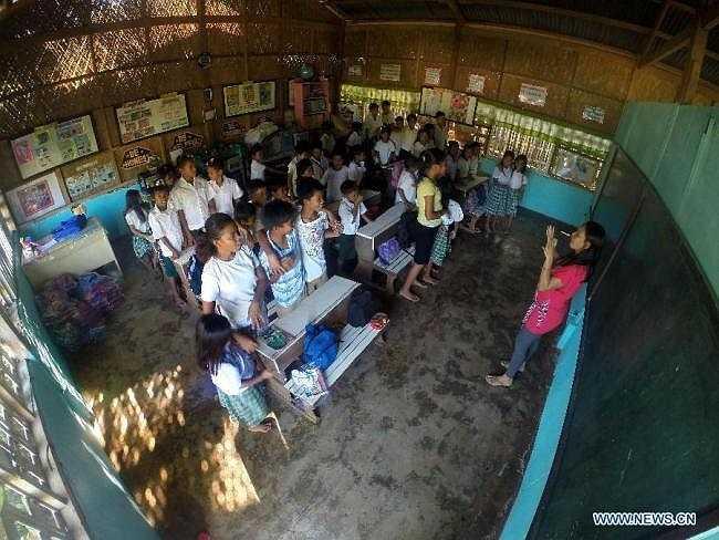 Quang cảnh bên trong một lớp học ở vùng sâu vùng xa thuộc tỉnh Rizal.