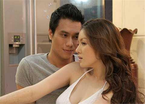 Năm 2009, cô tham gia bộ phim Gió nghịch mùa cùng Việt Anh. Không lâu sau đó, dư luận xôn xao hai người đã nảy sinh những tình cảm trên mức đồng nghiệp ở phim trường.