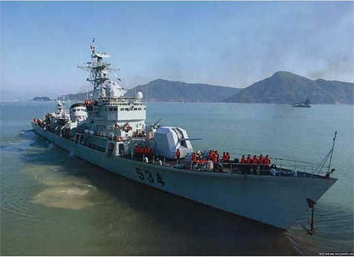 Theo thông tin từ lực lượng chấp pháp Việt Nam trưa 3/6, tàu Cảnh sát biển 2013 đã phát hiện tàu hộ vệ tên lửa số hiệu 534 và máy bay cánh bằng cùng một máy bay quân sự lượn nhiều vòng quanh khu vực các tàu Cảnh sát biển và tàu kiểm ngư của Việt Nam.