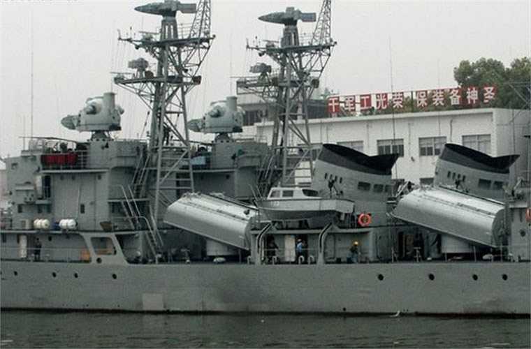 Tàu hộ vệ tên lửa Giang Hồ II được trang bị radar cảnh giới đường không hai tham số băng tần I loại Type 354 (mã định danh NATO Eye Shield), radar cảnh báo sớm hàng hải tầm xa băng tần G Type 517, radar điều khiển hỏa lực băng tần E/F loại Type 352 dùng cho tên lửa diệt hạm