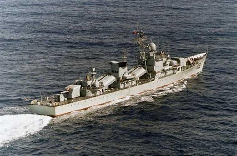 Nhìn chung, đây là tàu chiến loại cũ, trang bị vũ khí đã lạc hậu, yếu cả về điện tử, diệt hạm lẫn phòng không, chưa đủ sức chiến đấu với các tàu chiến hiện đại của Hải quân Nhân dân Việt Nam.