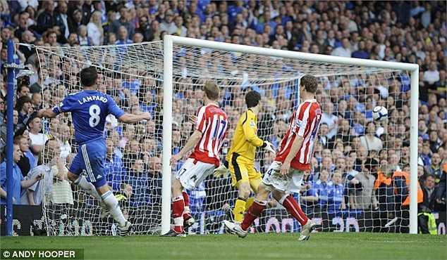Màn hủy diệt Stoke 7-0 ngày 25/4/2010 trở nên đặc biệt hơn với tiền vệ của Chelsea khi anh thoát xuống và dứt điểm cực khó vào góc xa từ góc hẹp