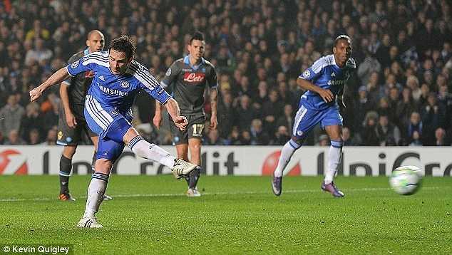 Cú lội ngược dòng ấn tượng của Chelsea trước Napoli ở vòng 1/8 Champions League 2012 được khởi đầu bằng pha lập công của Lampard sau cú sút xa sở trường