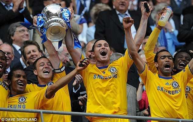 Pha lập công giúp Lampard có chức vô địch FA Cup năm 2009