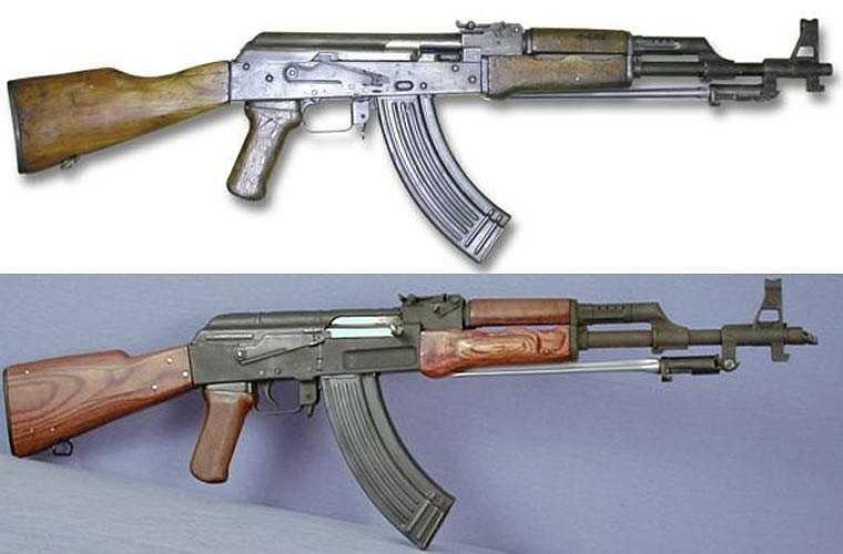Trong ảnh là mẫu Type 56 do Trung Quốc sản xuất dựa trên AK-47 và AMK. Điểm khác biệt là phía Trung Quốc bổ sung thêm lưỡi lê gắn sẵn và gập vào được. Ngoài lưỡi lê thì Type-56 không có khác biệt nào so với AK-47 và AKM nguyên bản từ Liên Xô.