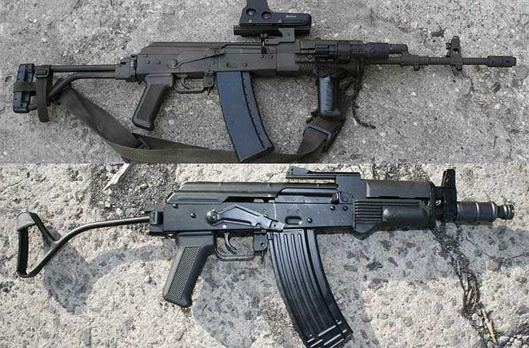 WZ KBK 1988 (ở trên) và WZ KBK Mini Beryl (ở dưới) do Ban La sản xuất dựa theo mẫu AK-74 của Liên Xô, sử dụng cỡ đạn 5,45x39mm. Các biến thể của WZ KBK có nòng súng dài hơn so với các biến thể của AK-74. Súng có loa che lửa đầu nòng mới do Ba Lan thiết kế.