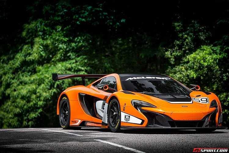 Siêu xe McLaren 650 GT3 đã chính thức được giới thiệu trong ngày hội Goodwood of Speed hôm 28/6 với phong cách thể thao mạnh mẽ khiến người hâm mộ bất ngờ.