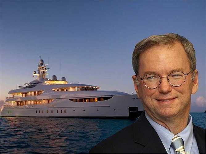Chủ tịch Google Eric Schmidt có du thuyền 72 triệu USD với bể bơi, phòng tập thể dục có thể biến thành vũ trường. Ông và vợ Wendy cũng sở hữu nhà ở Nantucket và Montecito, California.