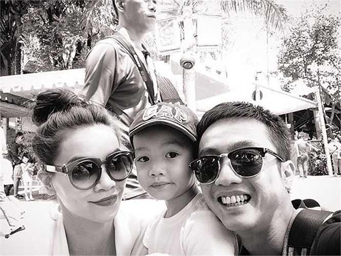 Những khoảnh khắc hạnh phúc của cả gia đình đã được công bố trên trang mạng cá nhân của Cường đôla.