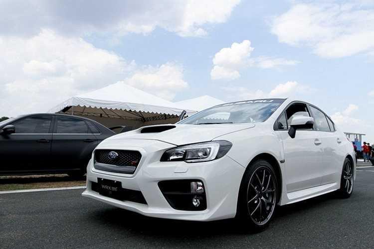 Subaru WRX STI, mẫu sedan thể thao được tích hợp công nghệ xe đua của Subaru vừa chính thức trình làng thị trường Việt Nam hồi đầu tháng 6. WRX STI trang bị động cơ 305 mã lực và mô-men xoắn cực đại 407 Nm được cung cấp từ khối động cơ boxer tăng áp dung tích 2,5 lít kết hợp cùng hộp số tay 6 cấp. Giá xe được bán tại Việt Nam khoảng 1,8 tỷ đồng.