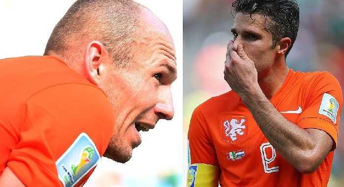 Vẻ mệt mỏi vì không quen thời tiết hiện rõ trên khuôn mặt của Robben và Van Persie