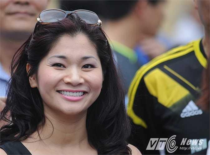 Nữ cổ động viên của Bộ Thể thao - Văn hóa - Du lịch