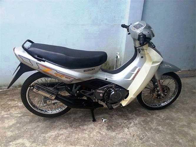 Mới đây, một chiếc Suzuki 'Xì-po' đời 1999 được giới thiệu còn nguyên bản như mới có giá 300 triệu đang khiến dân chơi Việt phát sốt.