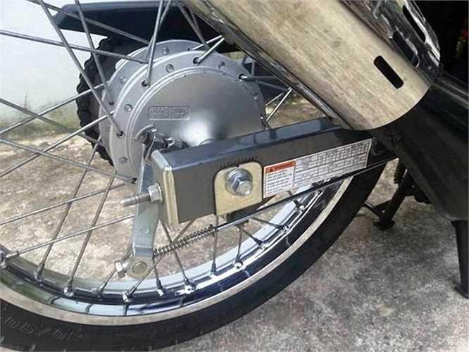Đa phần Su Xì-po hiện nay bị dân chơi xe tại Việt Nam độ cho lên đĩa sau nhưng ở chiếc Xì-po này vẫn còn nguyên 'zin'.
