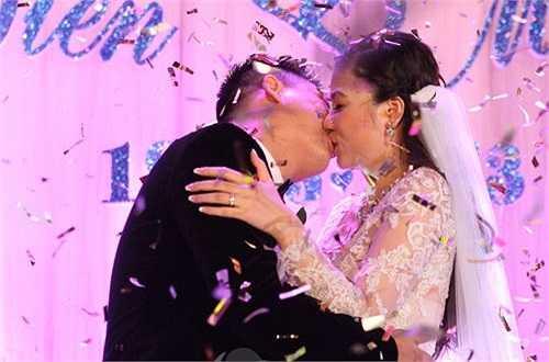 Sau khi lên xe hoa vào tháng 5/2013, Mỹ Dung gần như rút lui khỏi showbiz để chăm lo cho gia đình. Hiện, Mỹ Dung có cuộc sống khá hạnh phúc, viên mãn bên người chồng doanh nhân và cậu con trai kháu khỉnh gần 1 tuổi.