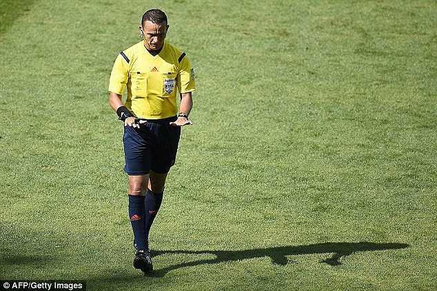 Theo Klinsmann, trọng tài Haimoudi nhiều khả năng sẽ thiên vị Bỉ vì Bỉ cũng là nước thuộc cộng đồng Pháp ngữ